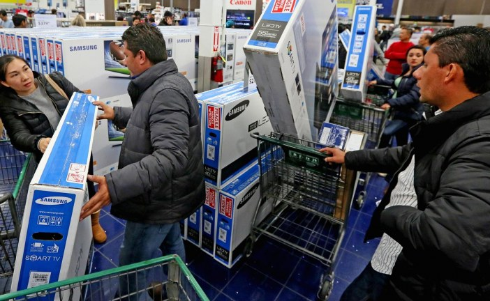 Walmart makes last-minute holiday push for procrastinators
