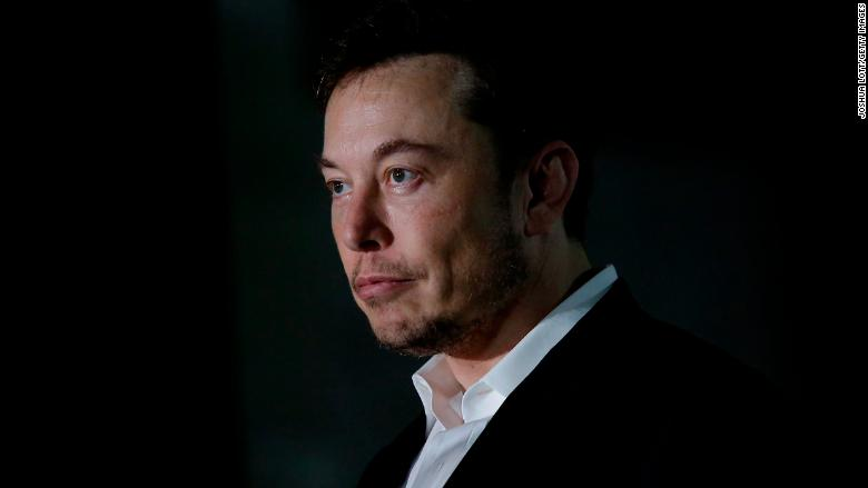 Elon Musk is hurting Tesla with his bizarre behavior