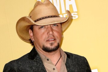 Jason Aldean and Other Stars on Vegas Shooting: 'This World Is Sick'