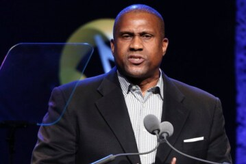PBS Pulls Tavis Smiley's Talk Show After Misconduct Allegations