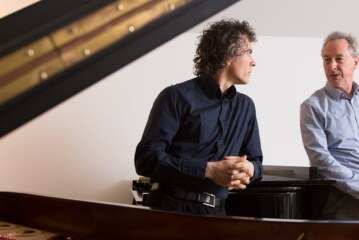 A Piano Battle Goes Global, and Discovers Its Sensitive Side