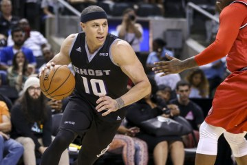 Mike Bibby, a Former N.B.A. Star, Is Accused of Sexually Assaulting a Teacher